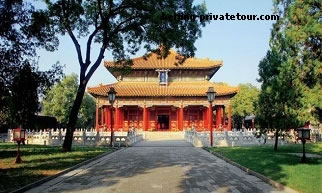 Lama Temple, Summer Palace & Beijing Zoo Private Day Tour